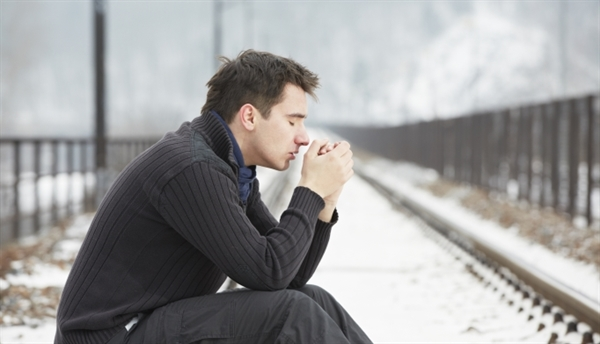 Several factors may contribute to the development of seasonal affective disorder (SAD). Reduced levels of sunlight during winter can upset circadian rhythm and serotonin levels, which may trigger depression. Melatonin levels can also be disrupted as the seasons change, which can affect sleep patterns and mood.