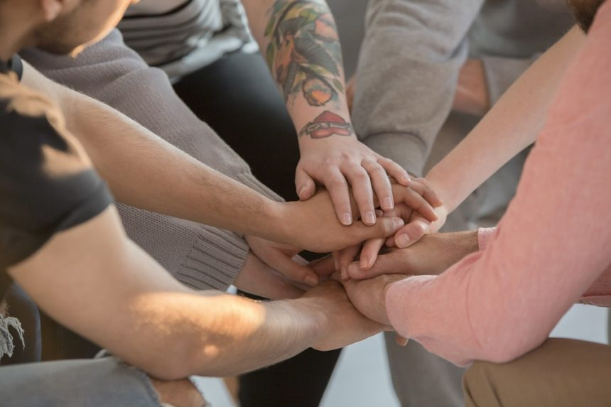 Support-group-hands_G_691775768